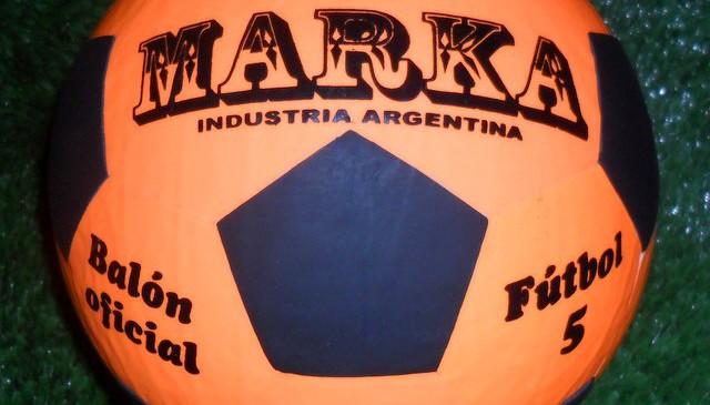 Marka 5 naranja simil
